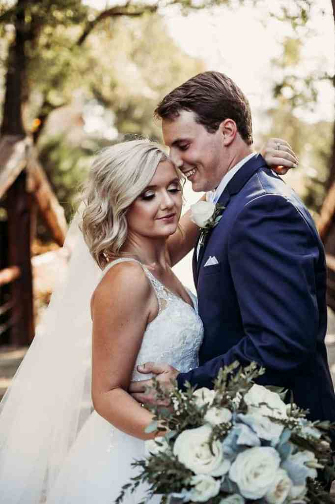 Couple just create the cutest wedding photo book.