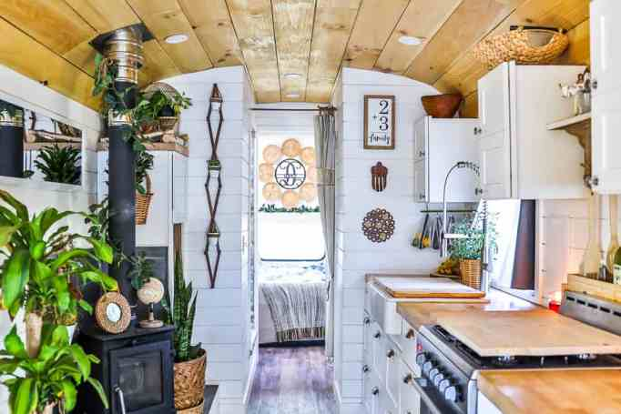 This tiny home uses solar energy.