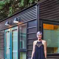 After divorce, woman restarts her life in a tiny home with an amazing hidden shower