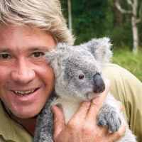 Photo of Robert Irwin cuddling a koala reminds people of his late father Steve Irwin