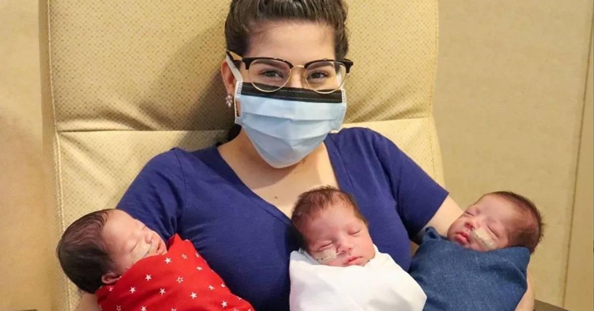 Mãe super do Texas dá à luz trigêmeos por cesariana após derrotar o coronavírus 16