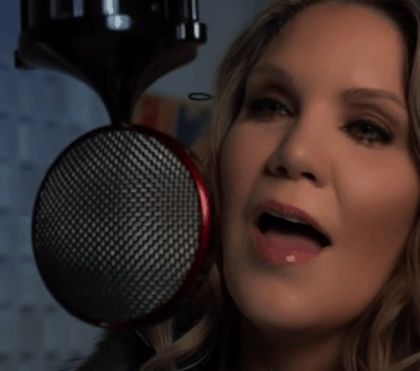 Alison Krauss sings Amazing Grace with Andrea Bocelli