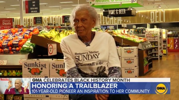 Romay Davis, a 101-year-old grocery store employee at Winn-Dixie