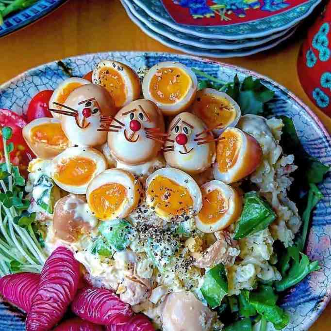 Character bento using eggs by Etoni Mama