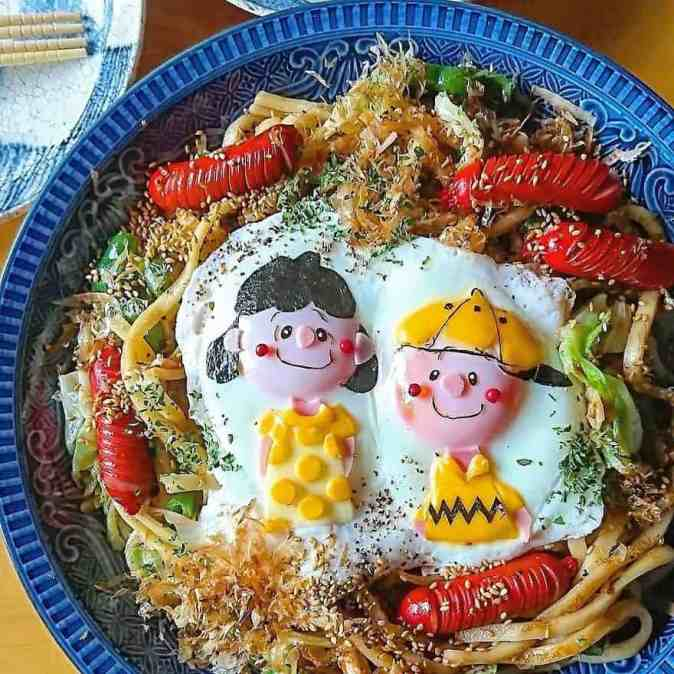 Charlie and Lucy in a character bento by Etoni Mama