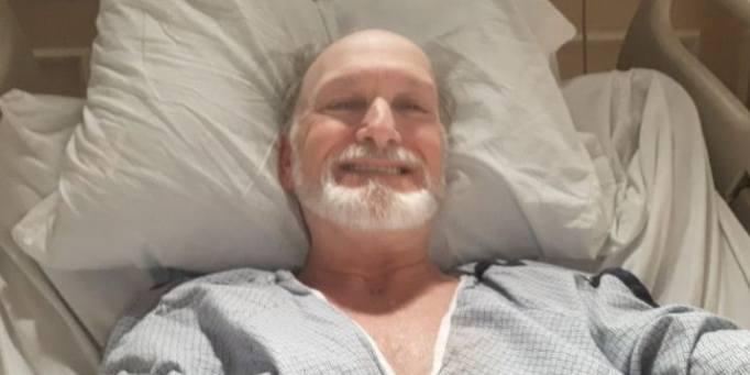 Дэн Рейнольдс в больнице