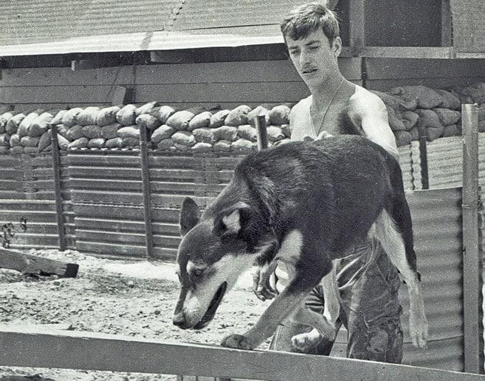 Майк Монахан и Чико во Вьетнаме