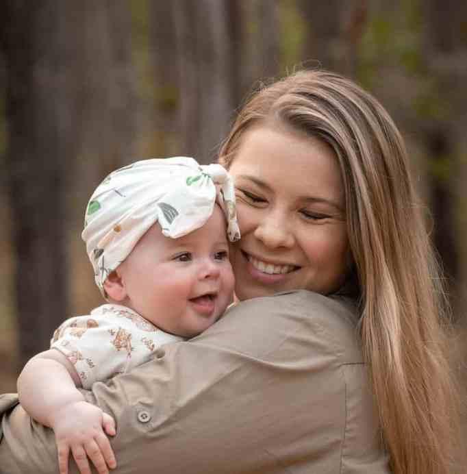 Bindi Irwin with daughter