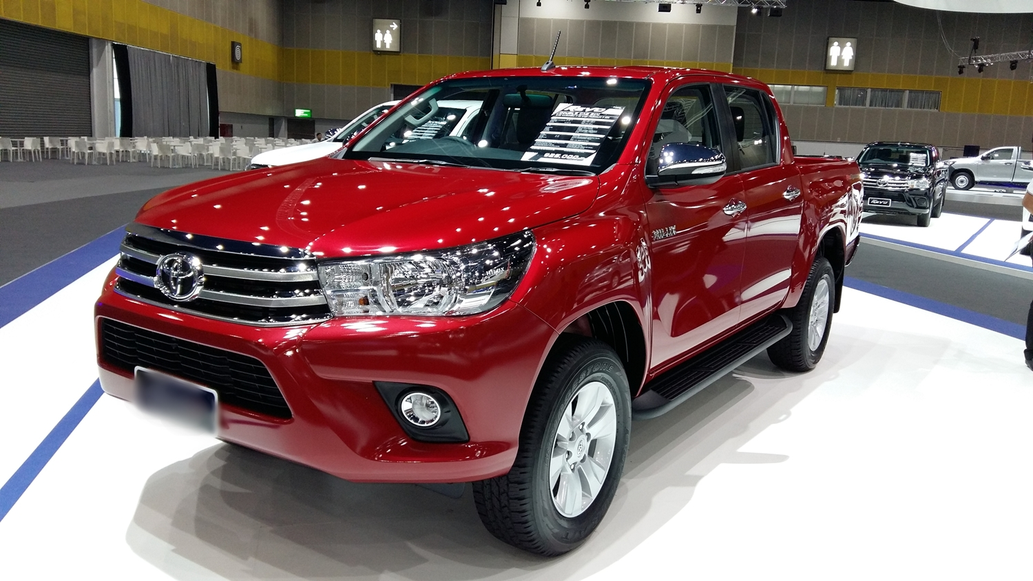Toyota Hilux 4x4 Double Cab Standard 2019 Model Features