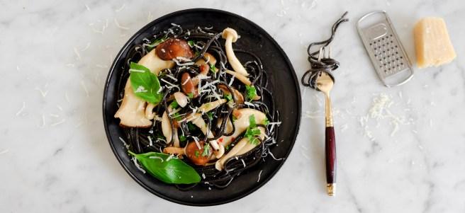 black spaghetti mushrooms_1