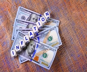 US Inflation Expectations Build in June Survey of Economists