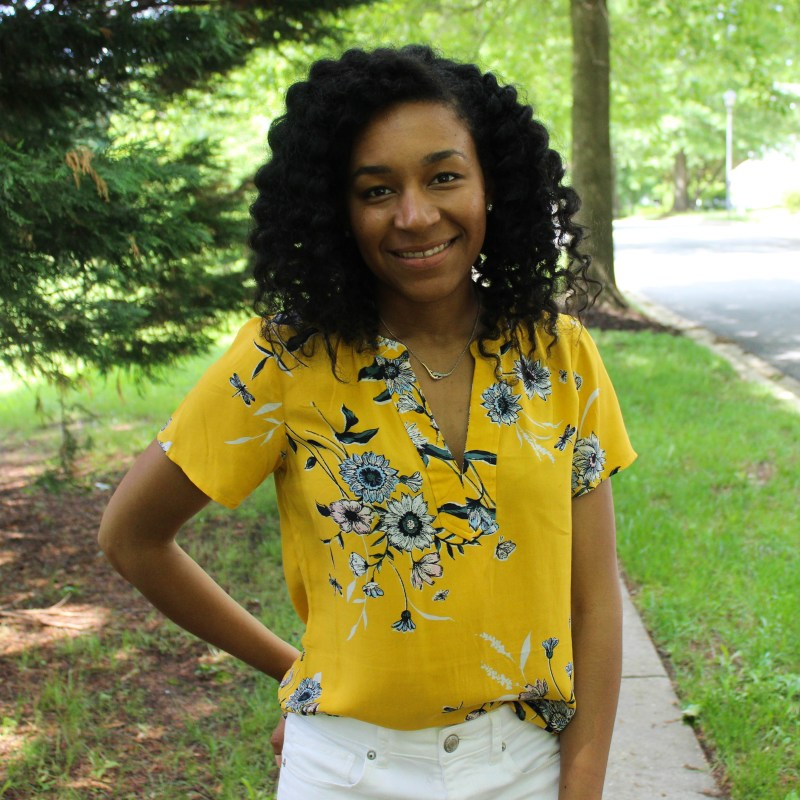Old Navy Yellow Shirt with White AE Jeans-9924