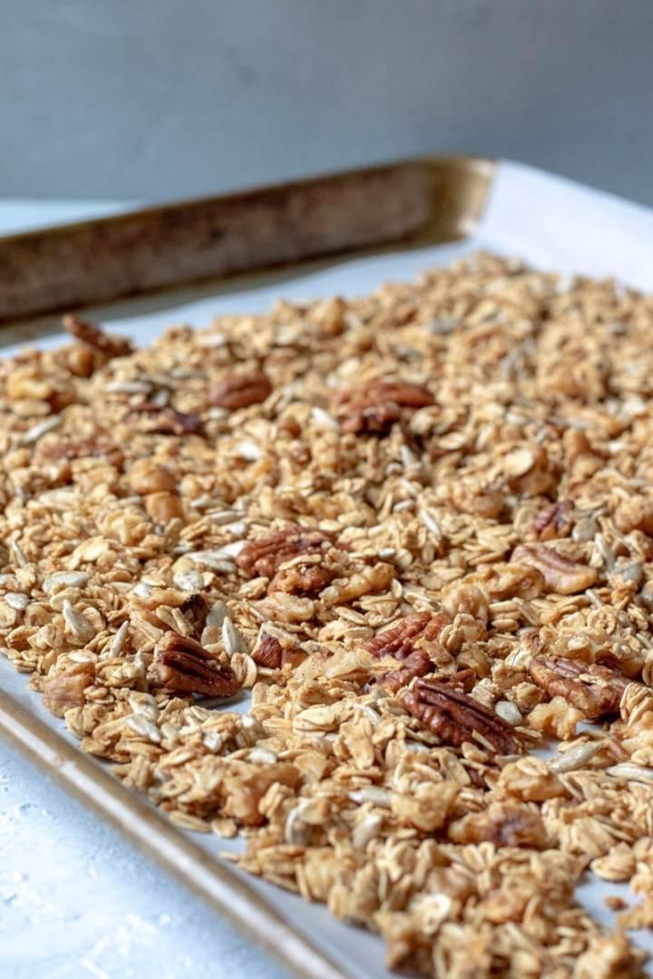 Crunchy Vegan Oil-Free Granola