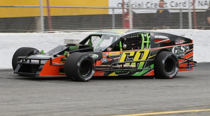 NEW SPONSOR STEERS SAL ACCARDI JR. BACK TO RIVERHEAD RACEWAY FOR FULL SEASON OF NASCAR MODIFIED RACING IN 2018