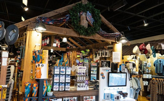 Best Places To Find Unique Gifts In Pigeon Forge