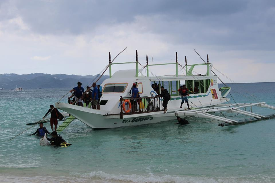 Boracay Divers in underwater clean-up Oct 2018