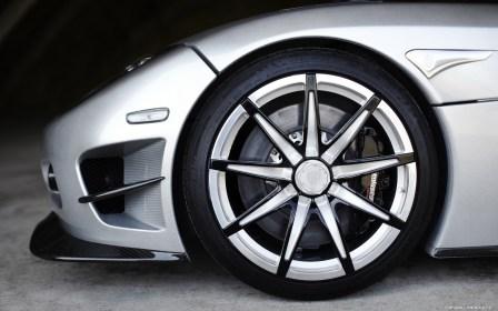 Koenigsegg-Trevita-2010-1920x1200-003