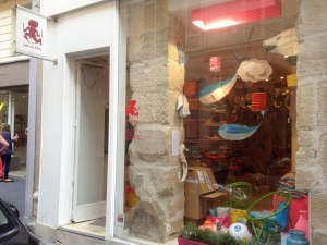 Visiting shops in Paris in August is not ideal, as many are either closed or busy switching over their inventory to prepare for the new season. I caught Petit Pan full of cardboard boxes, but that not dimish my joy at this discovery one bit.