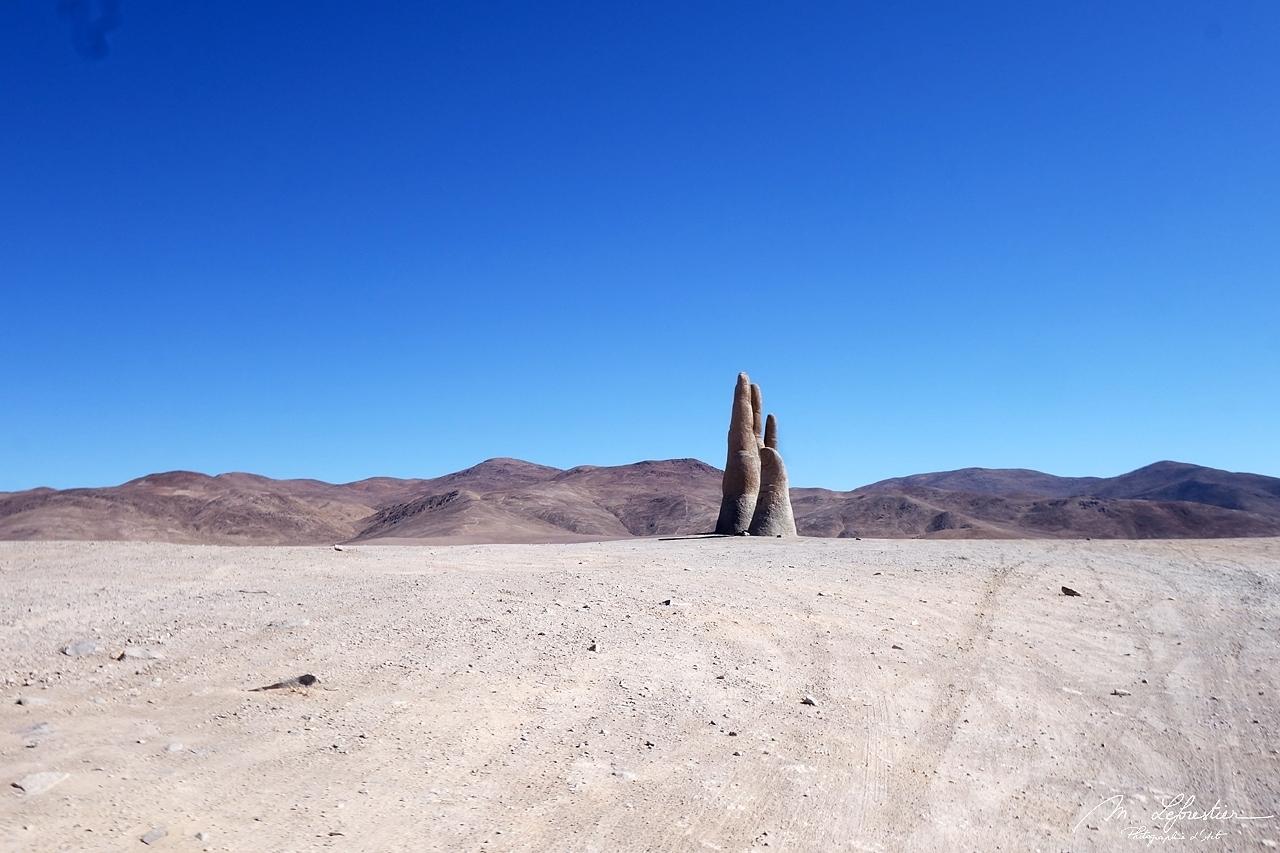 giant hand desert Chile