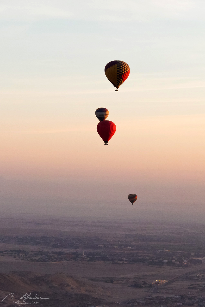 Hot air balloons, view over the Valley of the Kings