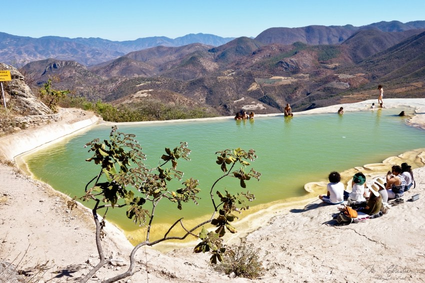 view on the natural pool in Hierve el Agua