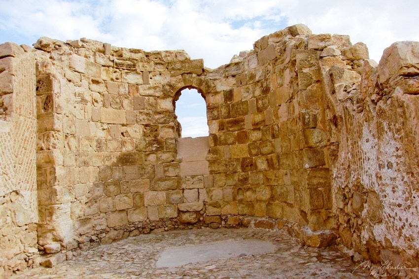 the byzantine church in the city of Masada where 960 people commited suicide at the anouncement of a roman invasion
