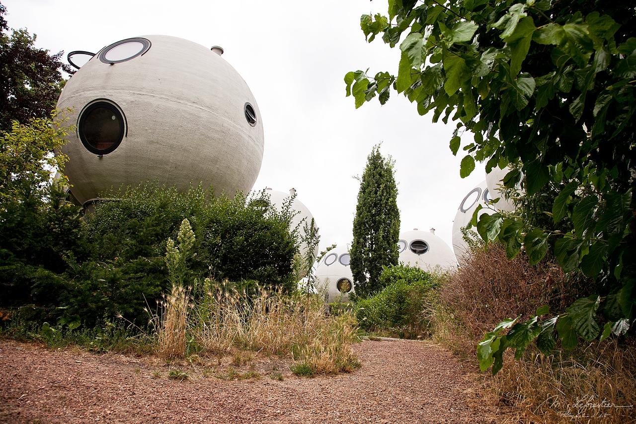 design spherical houses by Dries Kreijkamp unique style in den Bosch netherlands