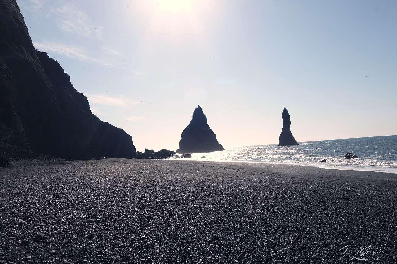 Black sand beach neer Vik in Reynisfjara Iceland