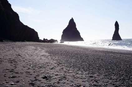 black-sand-beach-vik-06