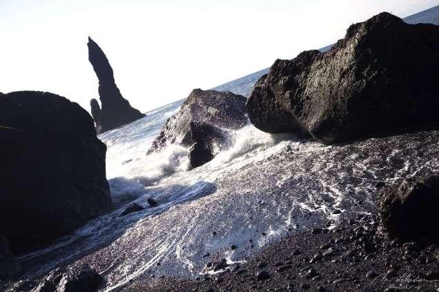 black-sand-beach-vik-08