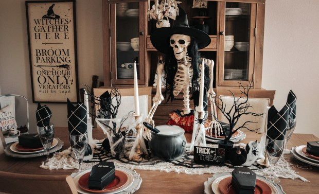 How to Create A Spooky Tablescape