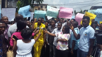 2018 UTME: Protesters Took To The Street To Demand Postponement of Exam Date