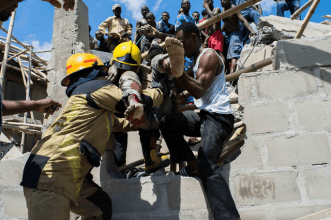 7 School Pupils and 12 Adults Rescued From Collapsed Building, Lagos