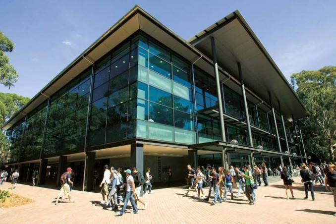 2020 Faculty of Business International Bursary At University of Wollongong - Australia