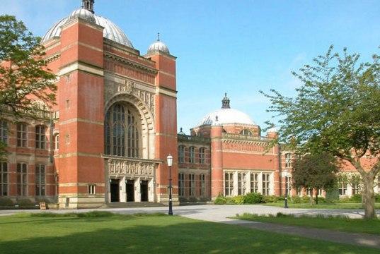 Eamon Molloy Memorial Scholarships At University Of Canterbury - New Zealand