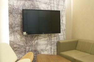 JW-Plastic-Surgery-Waiting-Room