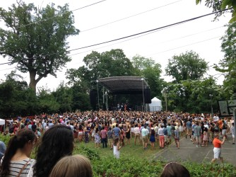 People watching Icona Pop