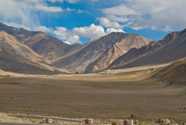 drive from leh to pangong lake6