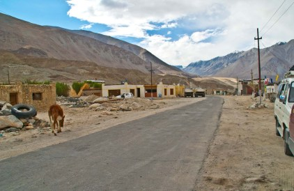 drive from leh to pangong lake7