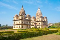 orchha cenotaphs compound