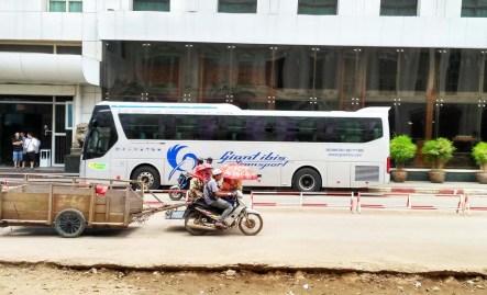 Grand ibis bus
