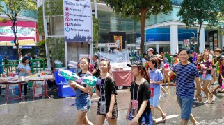 Songkran people