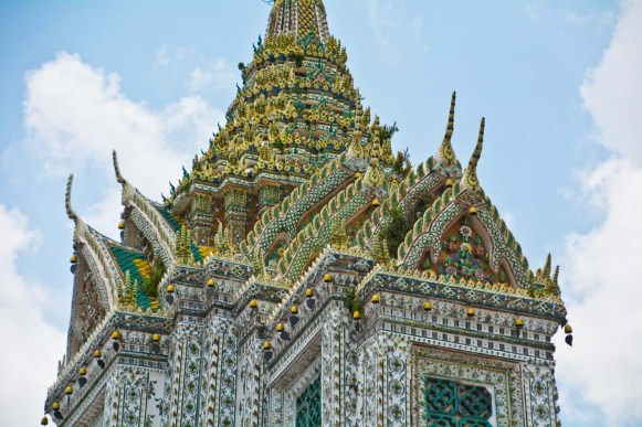 Wat arun temple compound decoration