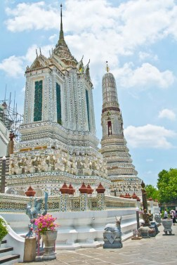Wat arun temple compound