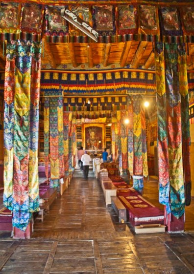 Leh to nubra valley via khardung la - Inside temple