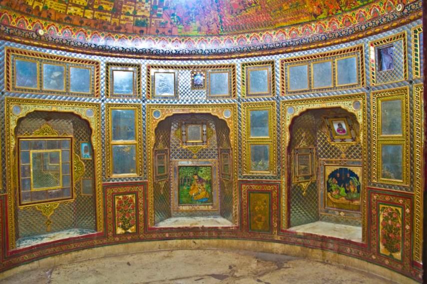 Sheesh Mahal room Nawalgarh