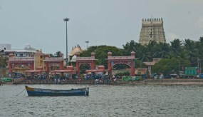 Ramanathaswamy temple and Aagni Teertham Rameshwaram