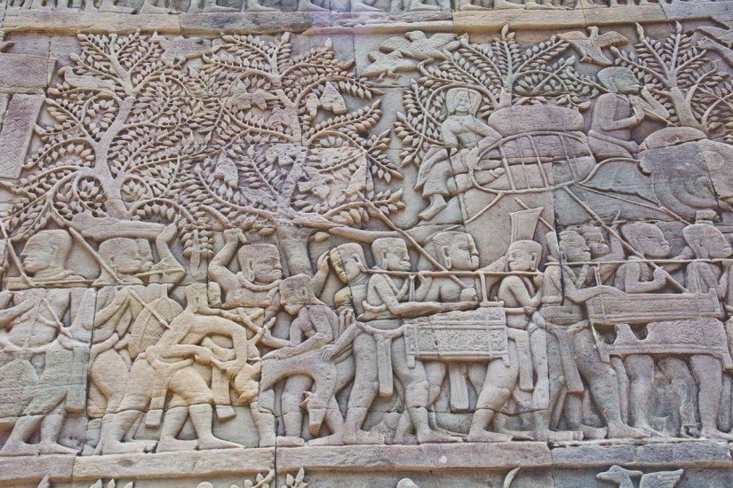 Bas relief outside Bayon temple