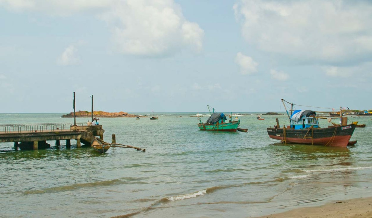 Boats in Malvan sea for Dolphine trips