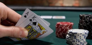 Using Your Poker Knowledge In Blackjack Games